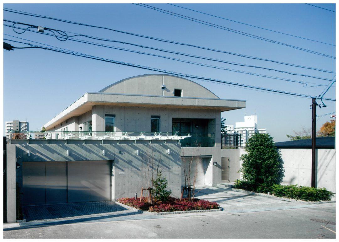 ハットした屋根が可愛い帽子の家